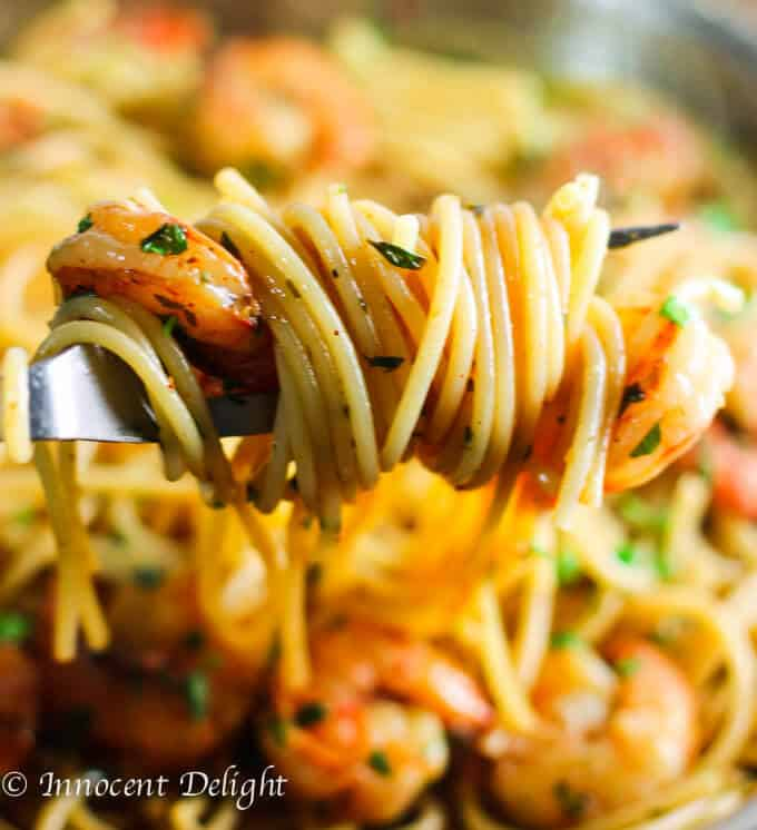 This Easy Shrimp Scampi Spaghetti dish turned out to be one of the easiest, fastest and the most delicious weeknight dinners.