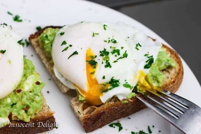 smashed avocado with poached egg toast