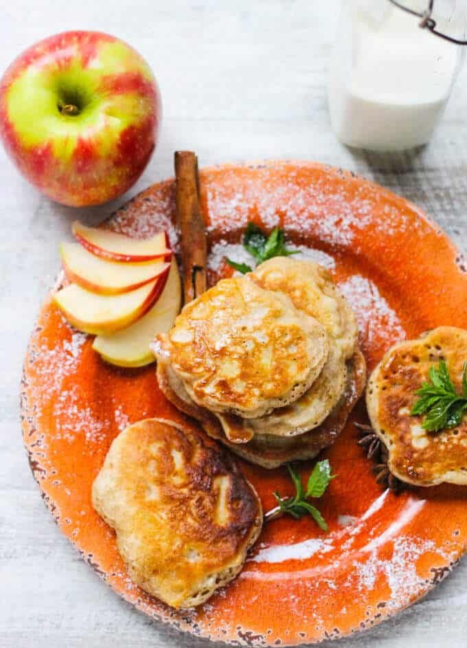 Polish Fluffy Apple Pancakes - Racuchy - these little golden breakfast treats are super delicious, easy to make and every kid will love them.