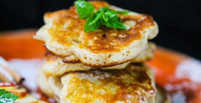 Polish Fluffy Apple Pancakes – Racuchy