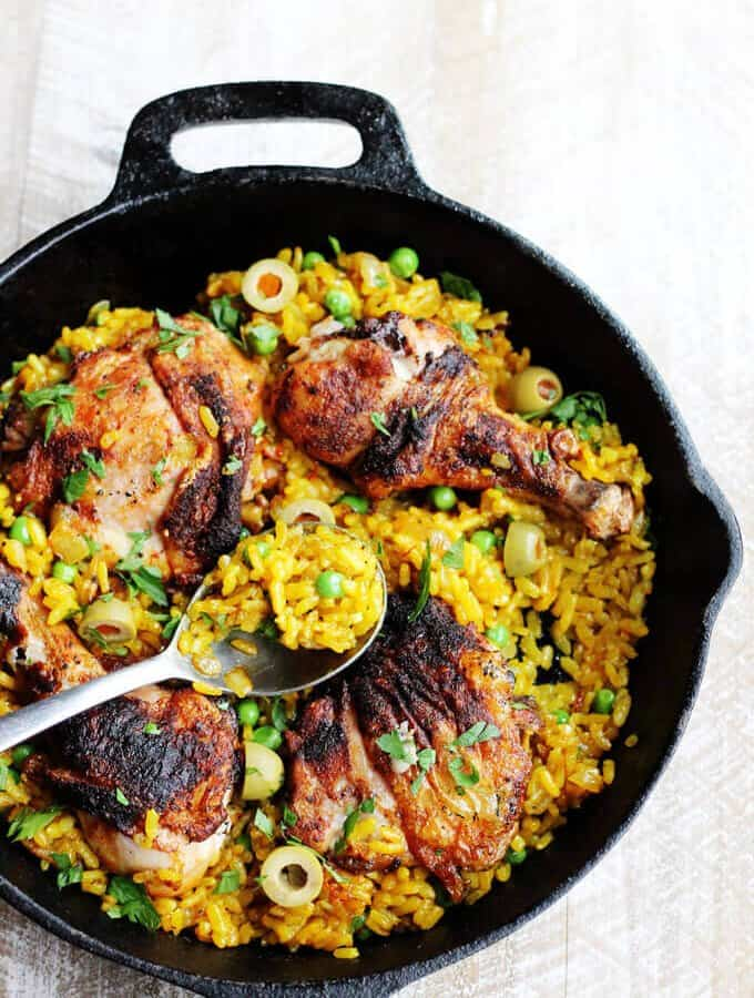 One Pot Chicken Saffron Rice with Olives and Piementon is an easy weeknight meal that requires minimum work. The oven does the job for you