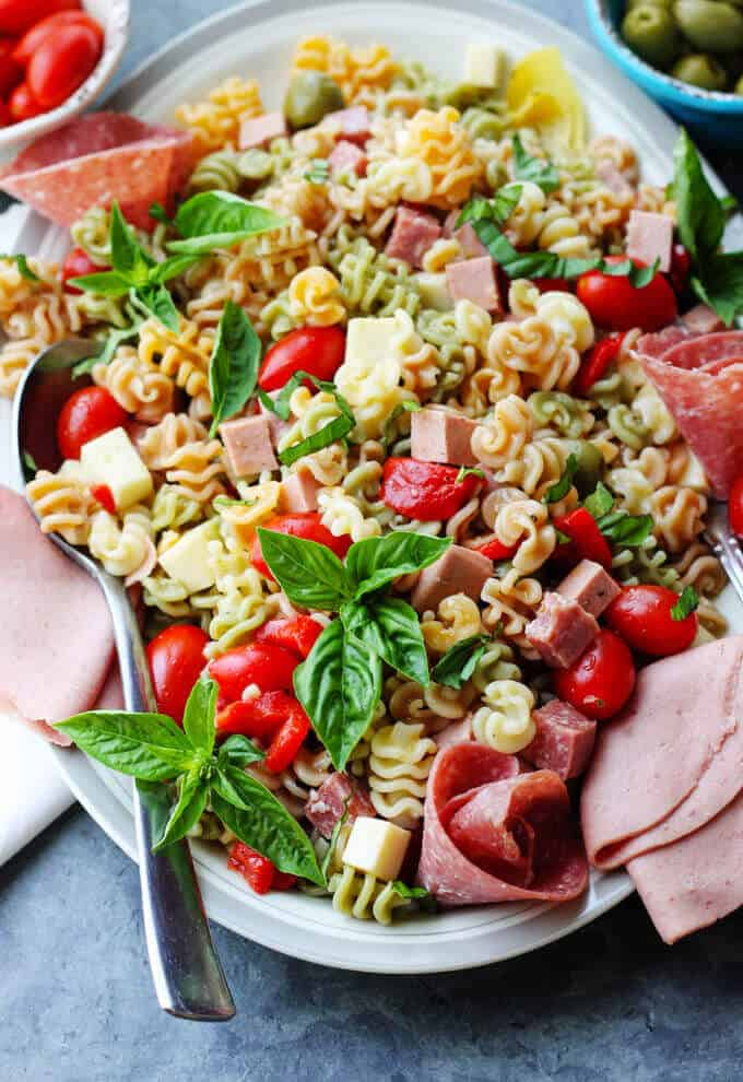 Antipasto Pasta Salad with Salami and Bologna is a super easy, delicious and affordable lunch idea for a busy family on a budget. #EckrichFlavor #AskForEckrich #CollectiveBias #shop #ad @Walmart