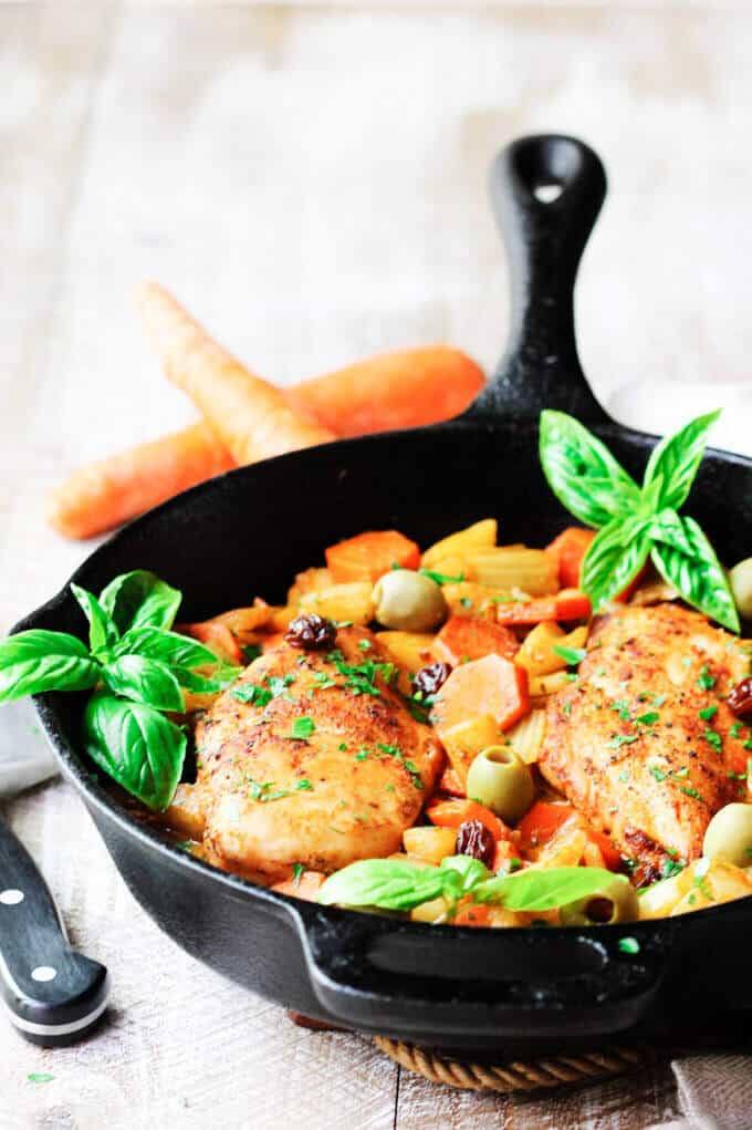 Fennel Chicken Mediterranean Style with carrots, raisins and olives is a very easy, one pot meal recipe for any day of the week. It is seasoned with cinnamon, cumin and smoked paprika for an irresistible and flavorful chicken dish.