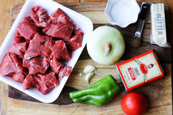 Ingredients needed to make Hungarian beef stew